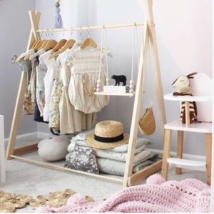 Baby + Children's Clothing 👗